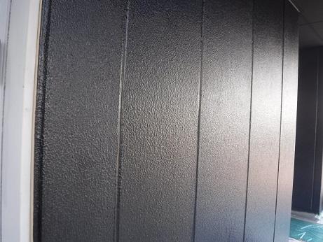 外壁の上塗り(一回目)