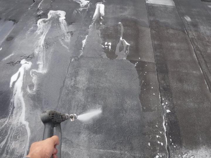 屋上陸屋根の高圧洗浄