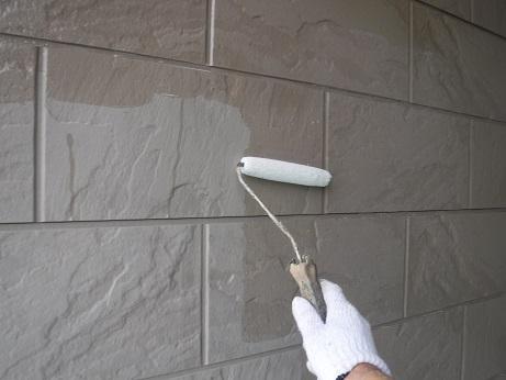 外壁下塗り(1回目)