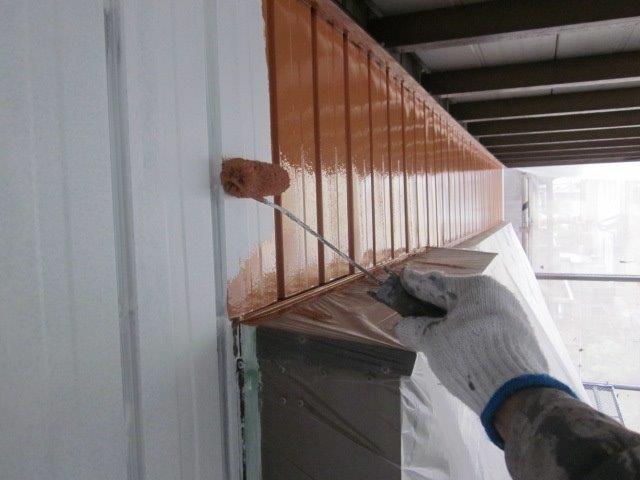 外壁トタン上塗り一回目