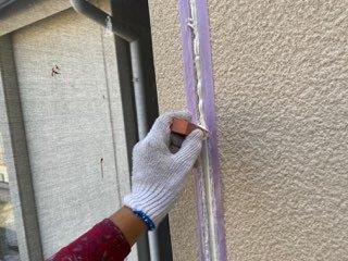 外壁サイディング目地コーキングならし状況