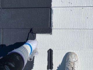 屋根カラーベスト中塗り塗装状況