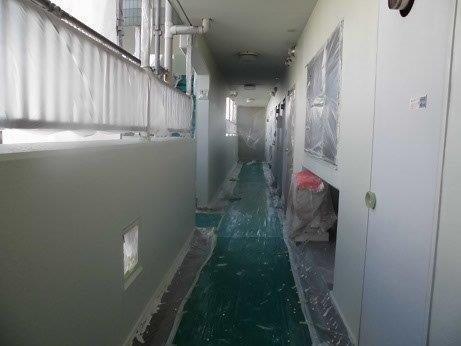 外壁モルタル中塗り塗装施工後
