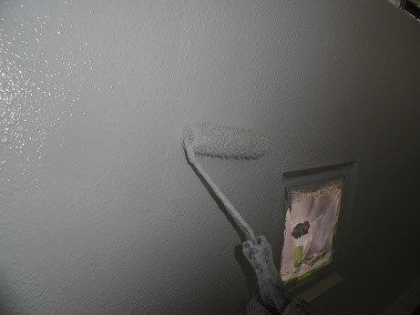 外壁モルタル上塗り塗装状況