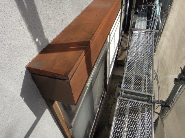 シャッターボックス塗装前の素地調整施工後