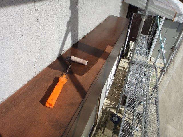 シャッターボックス塗装の下塗り塗装状況