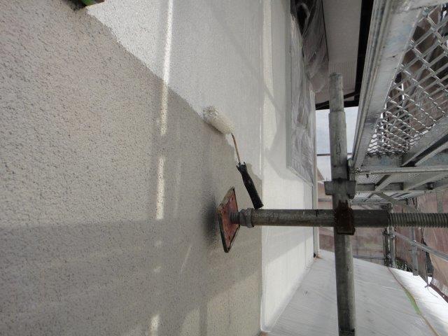 外壁サイディングの下塗り二回目塗装状況