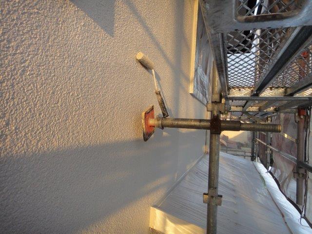 外壁サイディングの上塗り塗装状況