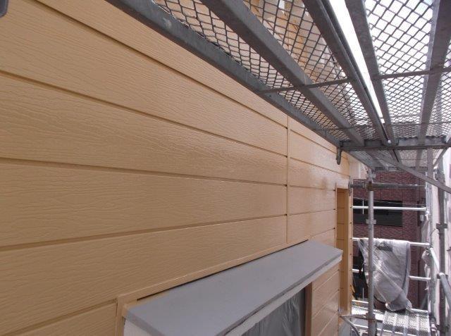 外壁サイディング中塗り塗装後