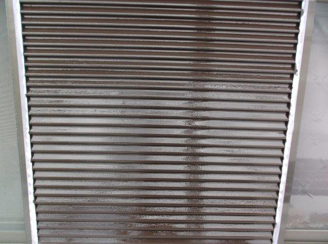 雨戸 中塗り塗装後