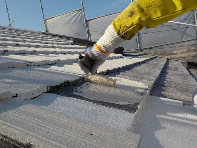 屋根塗装断熱塗料一回目