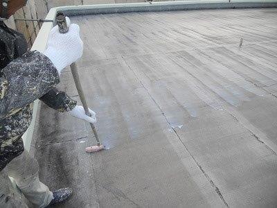 屋上防水下塗り塗装状況