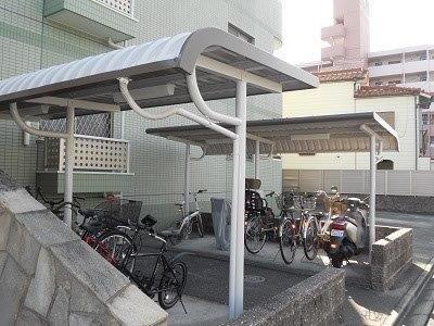 自転車置き場塗装