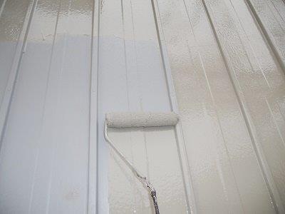 外壁板金中塗り塗装状況