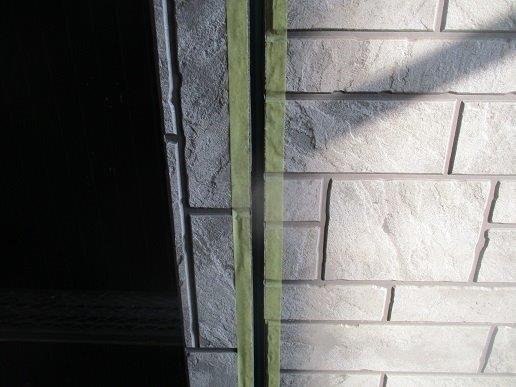 外壁サイディングの塗装前の目地のコーキング打替えコーキングプライマー塗布完了
