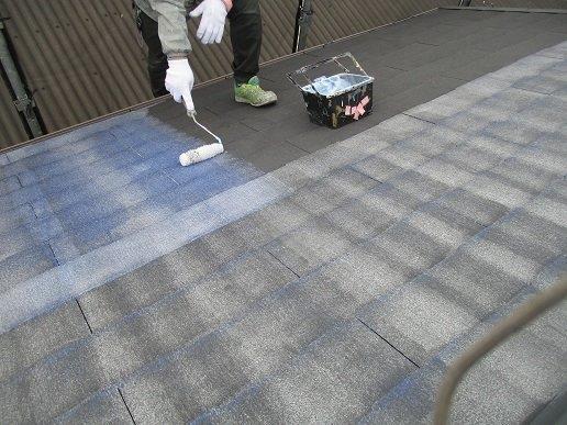 屋根下塗り塗装状況