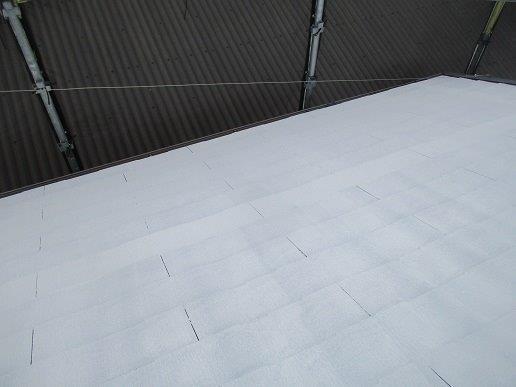 屋根中塗り塗装完了