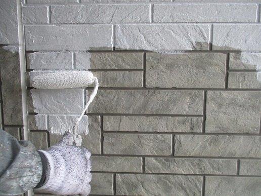 外壁サイディング下塗り塗装状況