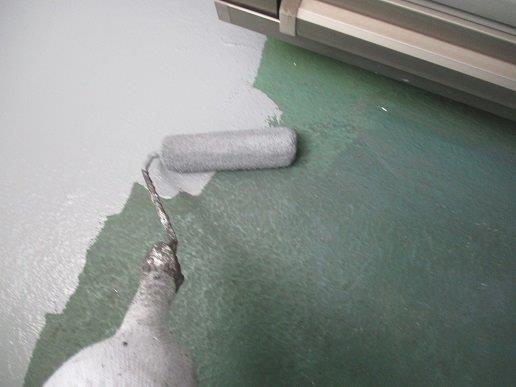 バルコニー防水材塗装状況