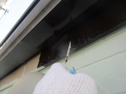 雨樋 破風板上塗り一回目塗装状況