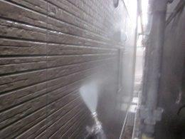 外壁タイル調サイデイング高圧洗浄状況