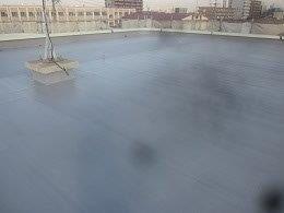 屋上防水防水材二回目塗装施工後