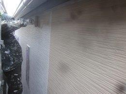 外壁サイデイング中塗り塗装状況