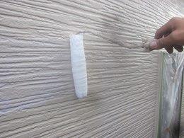 外壁サイデイングトップコート塗装状況