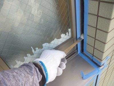 外壁タイル部サッシ廻りコーキングプライマー塗布状況