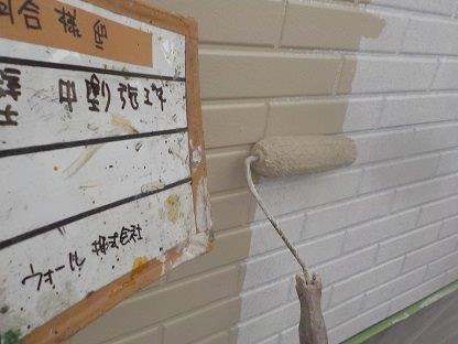 外壁サイディング中塗り三層目塗装状況