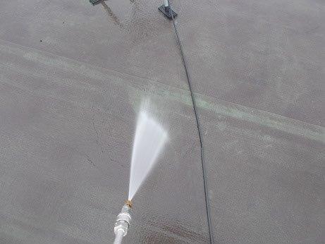 屋上防水高圧洗浄状況