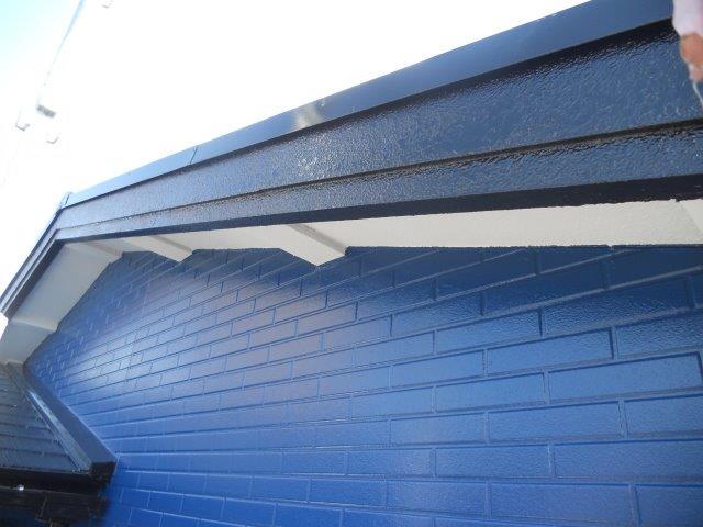 破風板塗装完了