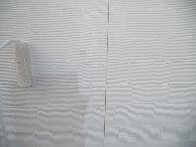 外壁サイデイング塗装中塗り塗装状況