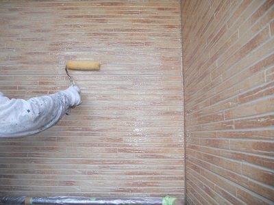 外壁サイディング塗装クリヤー塗装状況