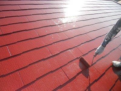 屋根塗装上塗り塗装状況