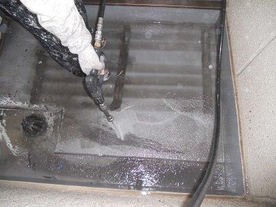 バルコニー高圧洗浄状況