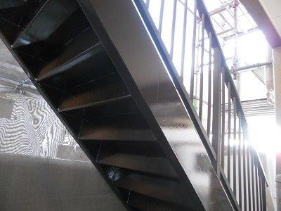 鉄骨階段上塗り塗装