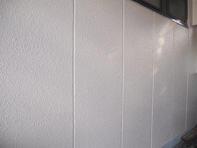 外壁ALC断熱塗料トップコート塗装状況