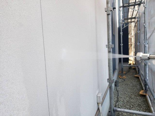 外壁サイデイング高圧洗浄状況
