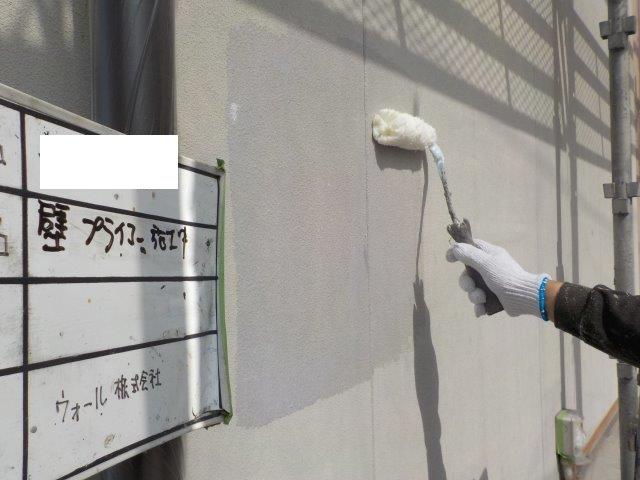 外壁サイデイング下塗り塗装状況