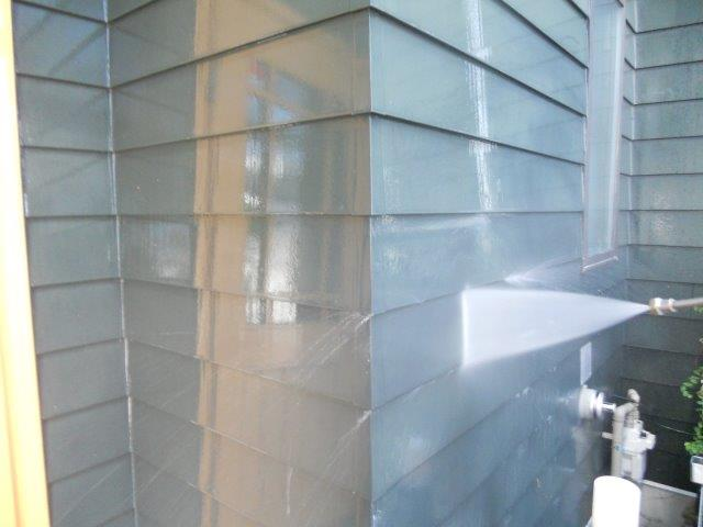 外壁板金塗装高圧洗浄状況