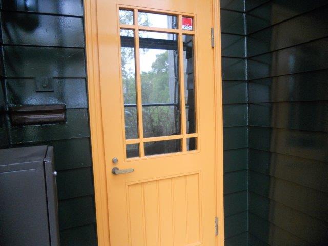 玄関扉塗装