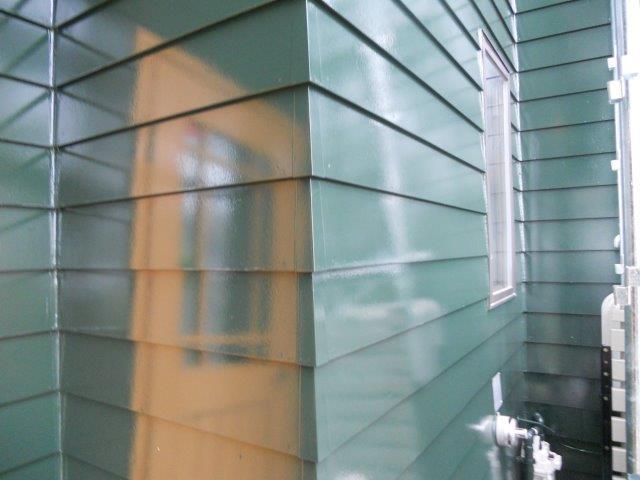 外壁板金塗装上塗り完了