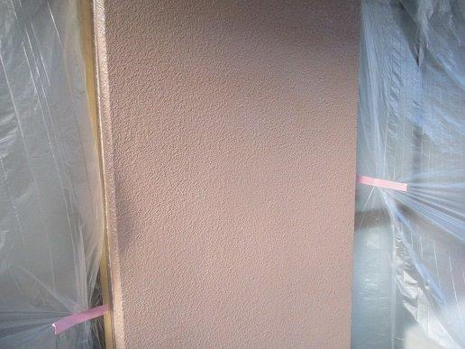 外壁モルタル面下塗り一層目塗装完了