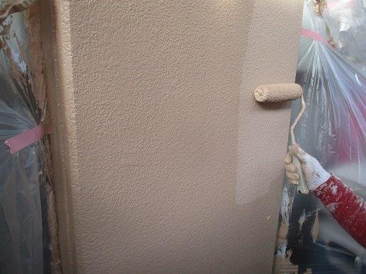 外壁モルタル面上塗り塗装状況