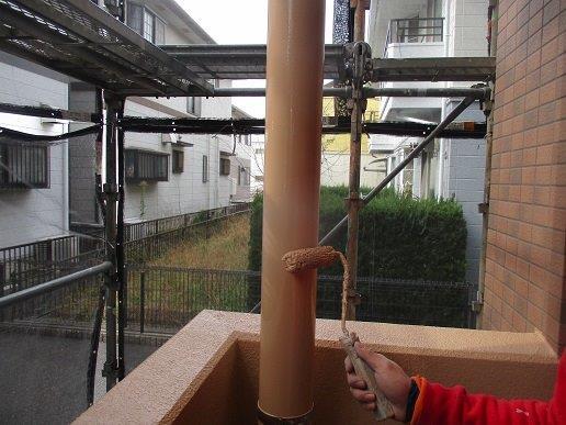 外壁付帯部雨樋塗装状況