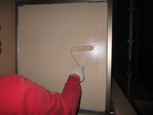 外壁付帯部目隠し塗装状況