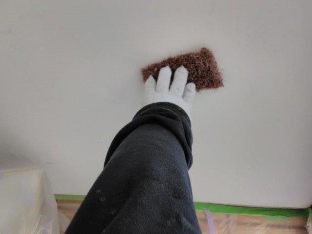 置き店塗装素地調整状況