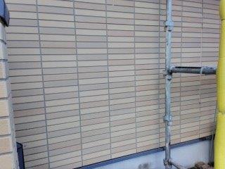 外壁タイル調サイデイングクリヤー塗装前高圧洗浄完了