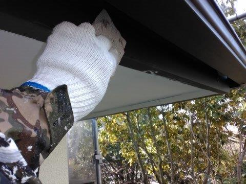 破風板塗装素地調整状況